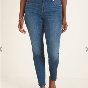 Chico's oh so slimming girlfriend ankle jean